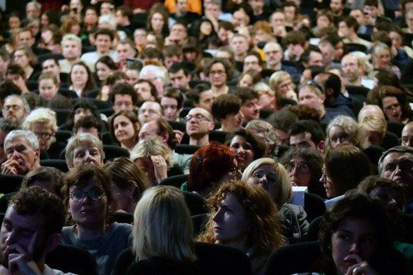 photo du public dans la salle de projection de la cinémathèque