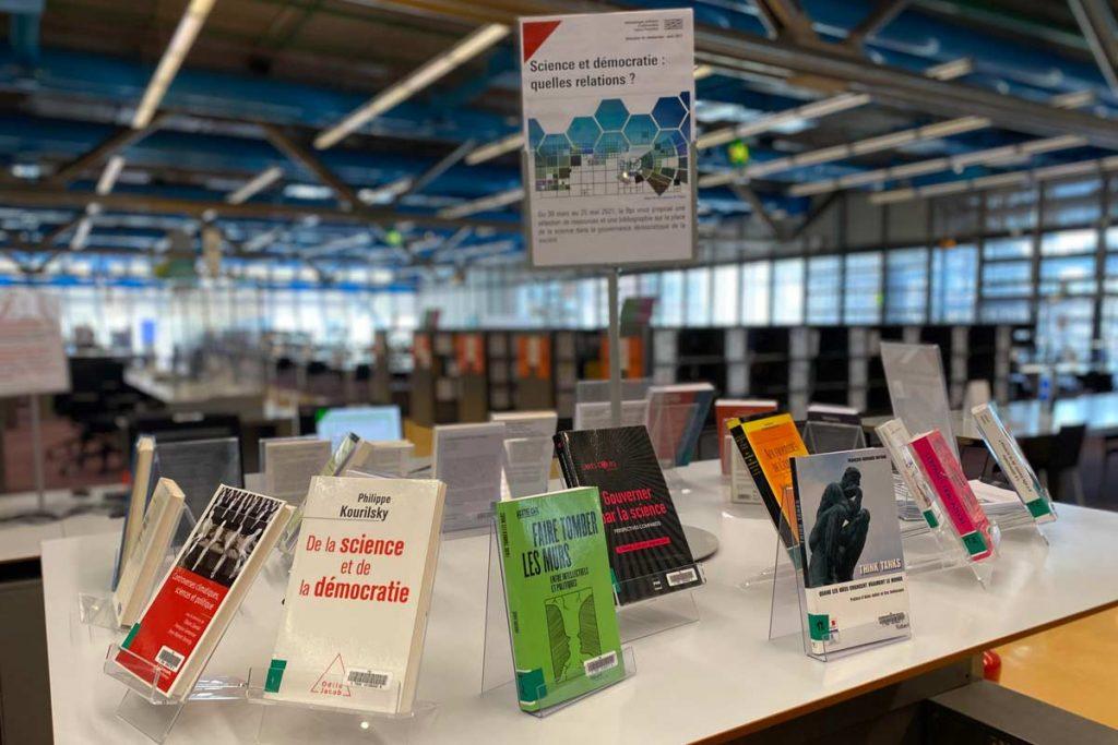 table de valorisation d'ouvrages à la bibliothèque