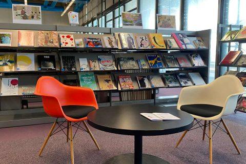 photo du salon arts et littérature de la bibliothèque
