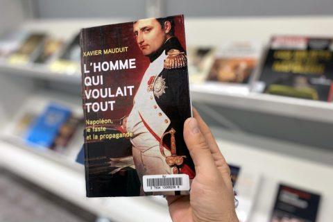 photo d'un ouvrage sur Napoléon disponible au niveau 2 de la bibliothèque.