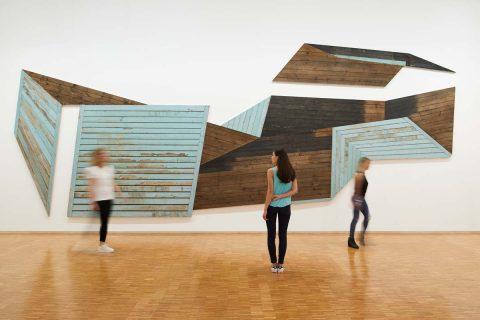 photo de visiteurs dans une galerie du Centre Pompidou