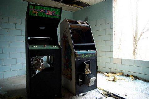 Bornes d'arcade abandonnées