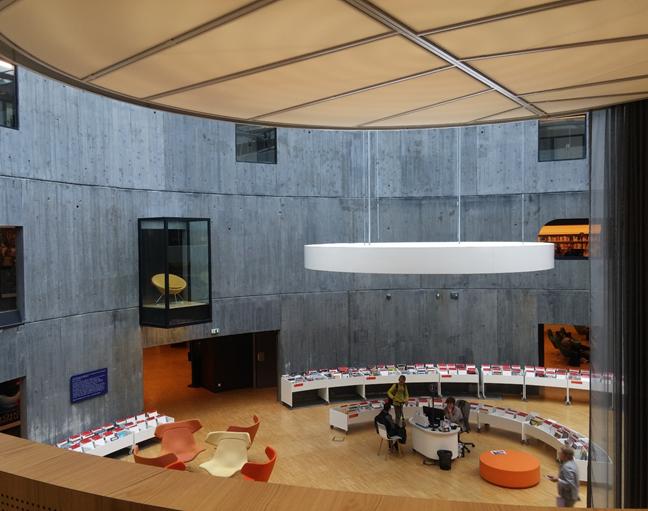 Vue intérieure de la bibliothèque