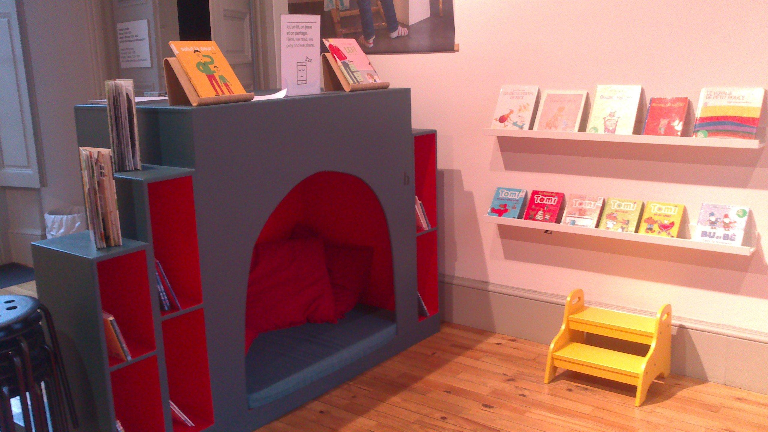 vue intérieure de la bibliothèque (Institut culturel suédois de Paris)