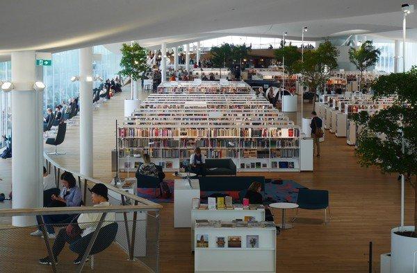 Vue sur le 3ème étage de la bibliothèque