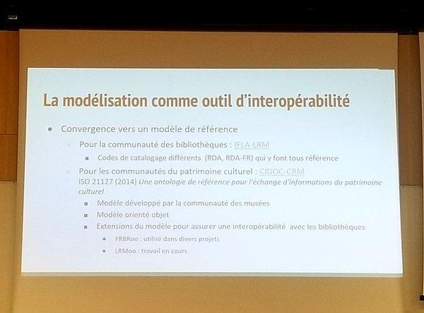 Photographie du support présentant la modélisation comme outil d'interopérabilité