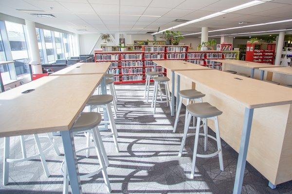 photo de la bibliothèque Pierre Ambroise, Montréal