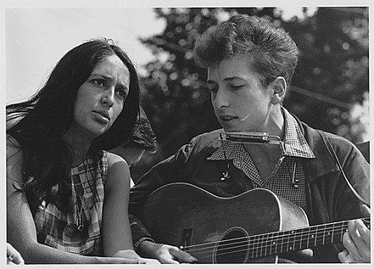 Photo de Joan Baez et Bob Dylan le 28/08/1963
