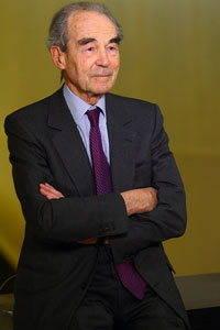 Portrait  photographique de Robert Badinter