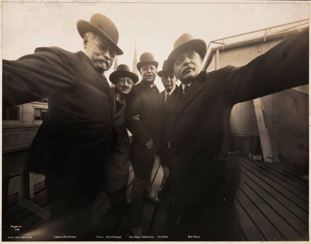 autophoto cinq photographes de la Byron Company en 1892