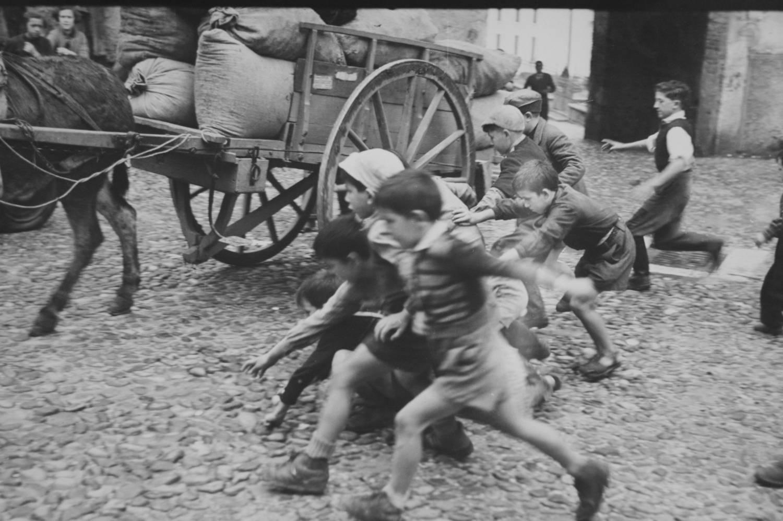 groupe d'enfants, photographie noir et blanc