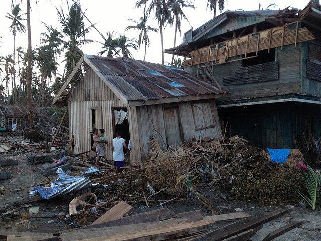 après le cyclone Bopha aux Philippines