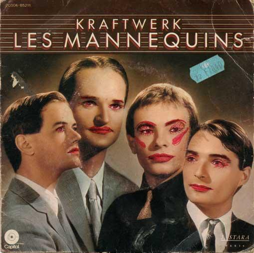 Pochette « Les mannequins » du groupe Kraftwerk. Les memebres du groupe sont maquillés au stylo rouge.