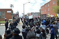 Photo d'une marche à Baltimore après la mort de F. Gray