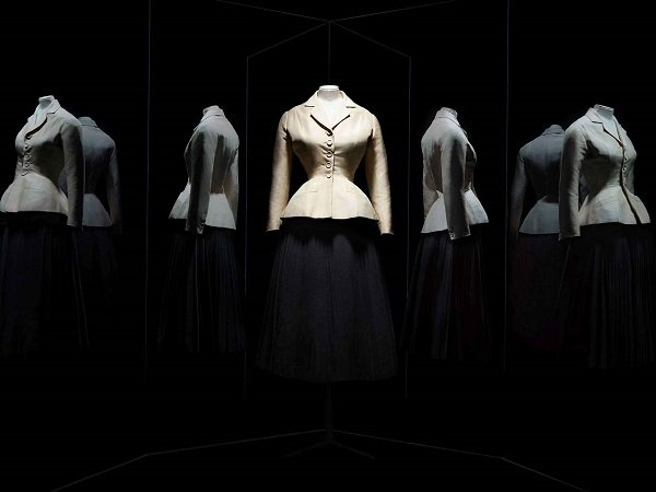 Tailleur Bar de Dior