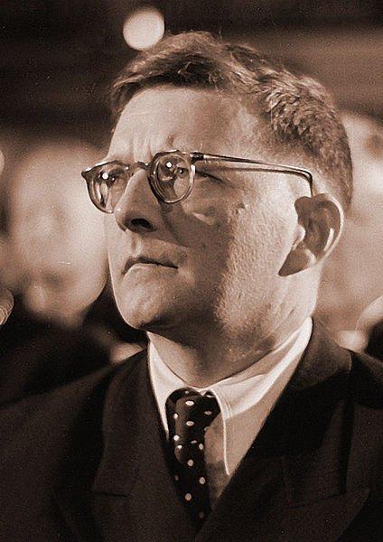 Portrait photographique de Dmitri Chostakovitch en 1950