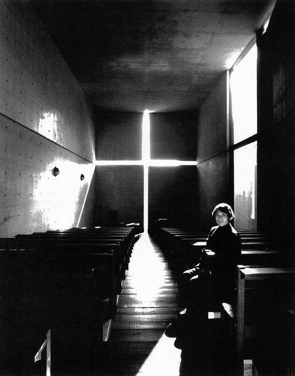 portait de Tadao Ando dans une église