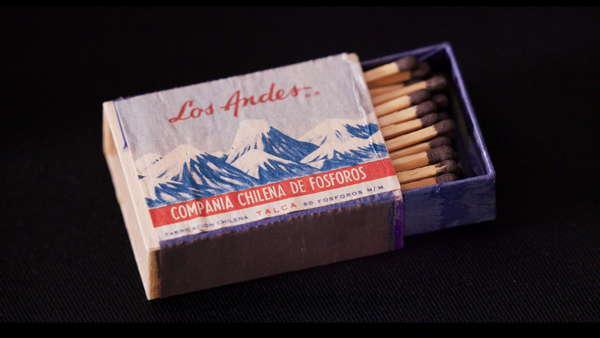 Boîte d'allumettes chilienne avec la cordillère des Andes dessinée