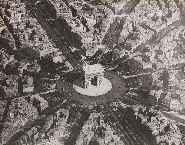Vue aérienne place de l'Etoile